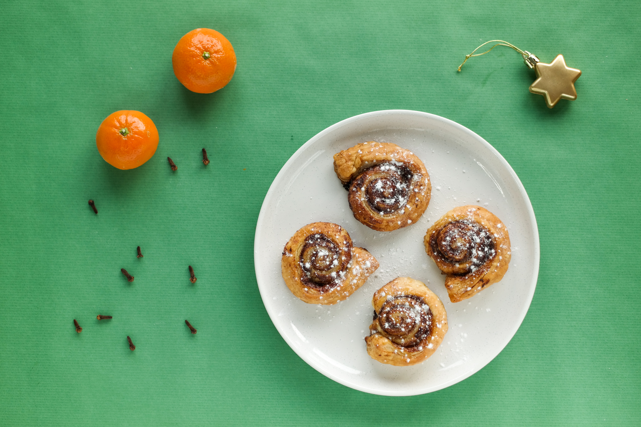 Christmas Spiced Cinnamon Swirls with orange and cloves